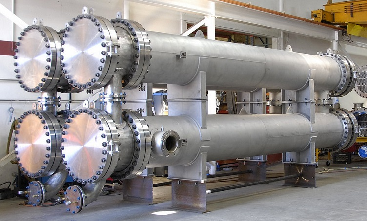 Courses on design of pressure vessels and heat exchangers - Sant ...